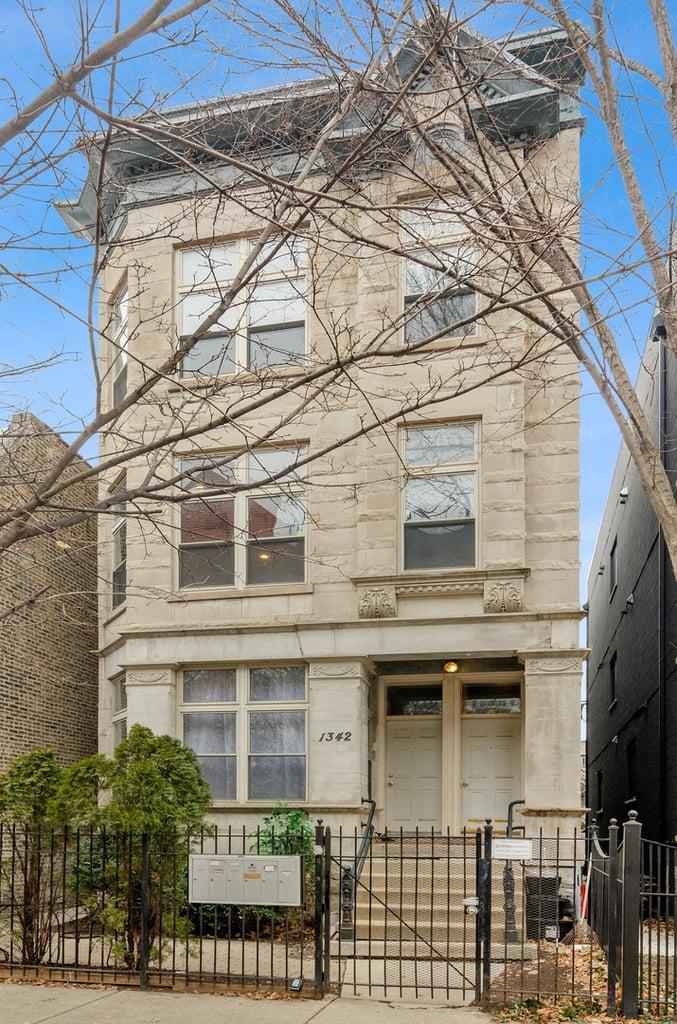 1342 N Claremont Avenue -2F Chicago, IL 60622