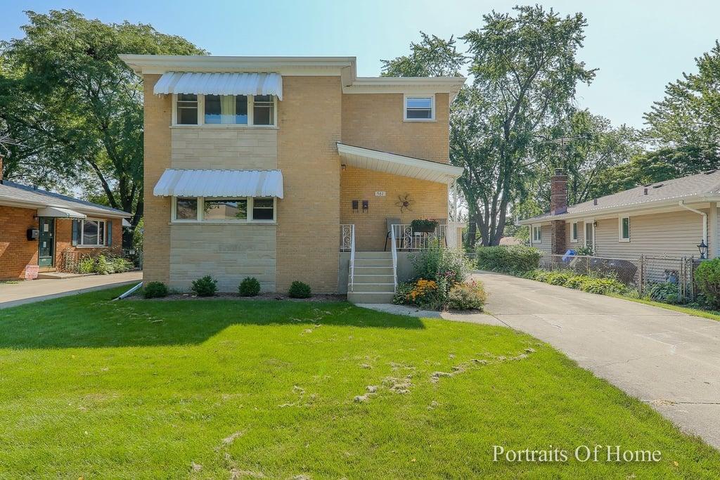 561 N Yale Avenue Villa Park, IL 60181