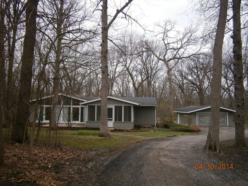 471 S Saint Marys Road Libertyville, IL 60048