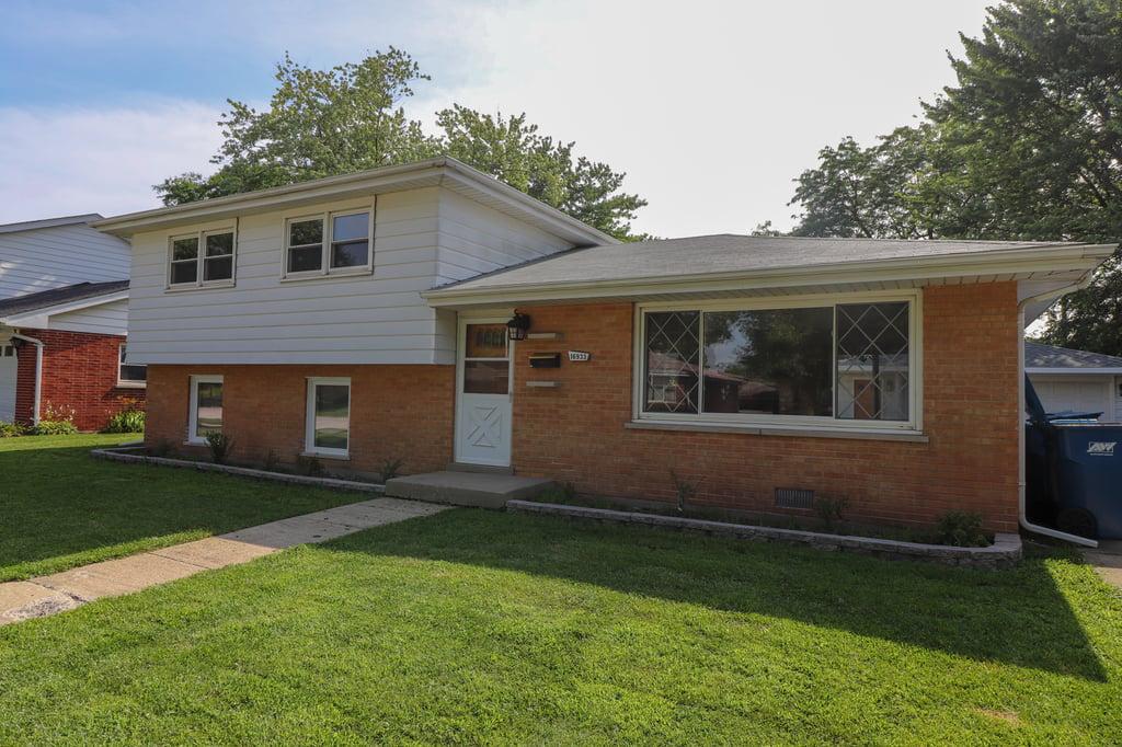 16933 Parkside Avenue South Holland, IL 60473