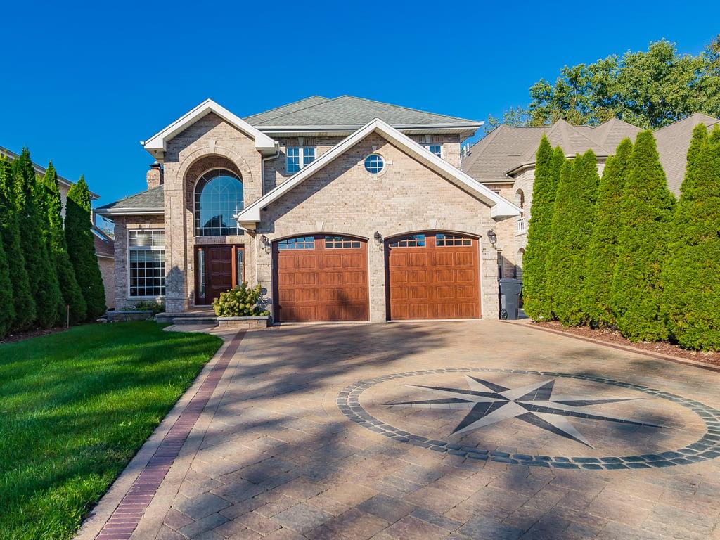 1438 Wedgewood Avenue Des Plaines, IL 60018
