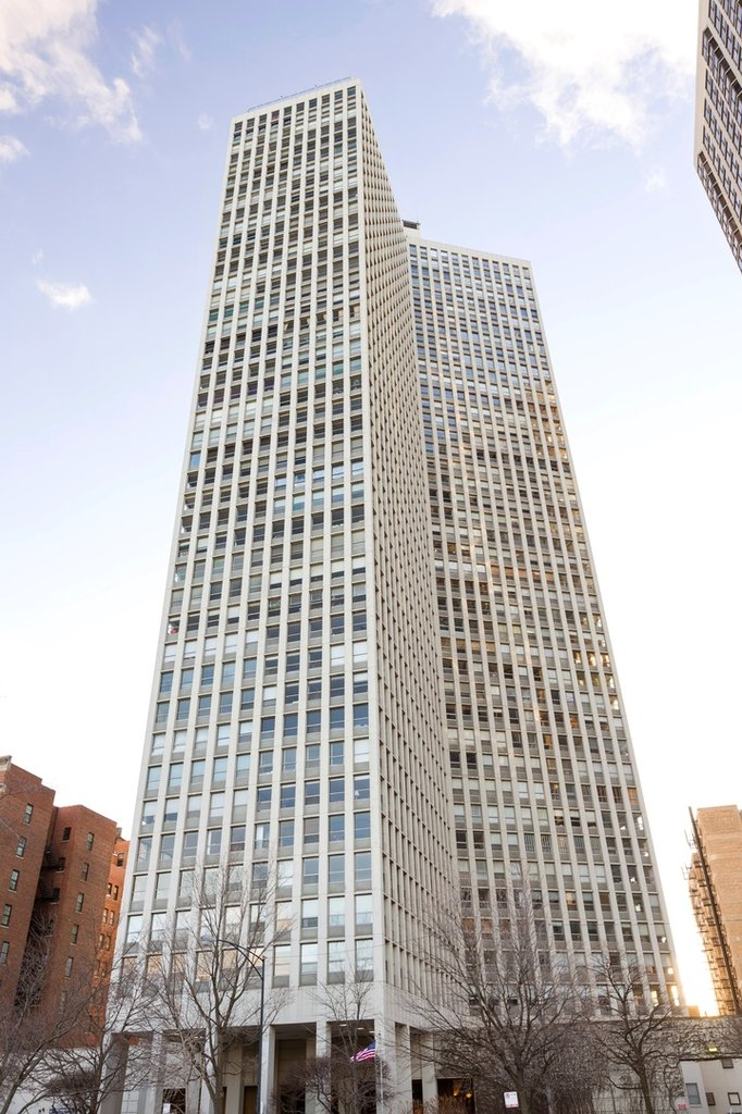 2626 N Lakeview Avenue -701 Chicago, IL 60614