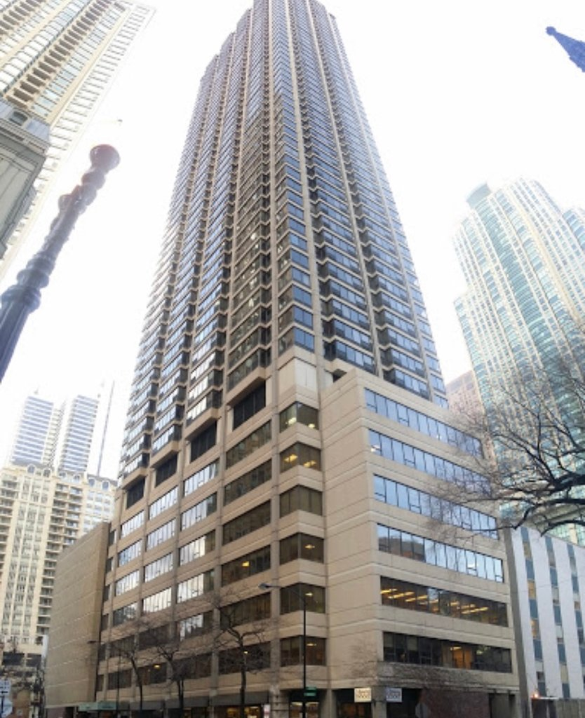 30 E HURON Street -3006 Chicago, IL 60611