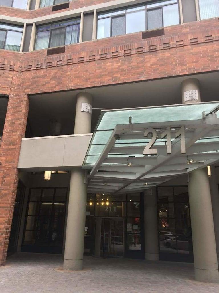 211 E Ohio Street -2419 Chicago, IL 60611