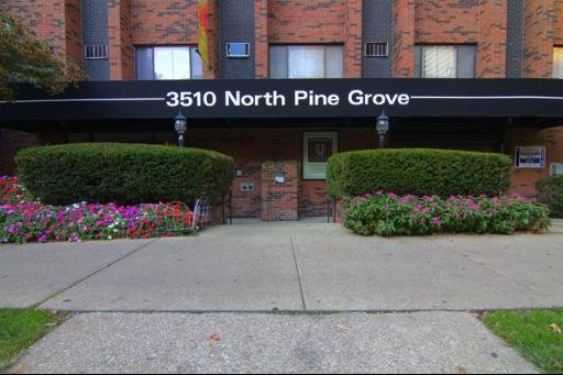 3510 N Pine Grove Avenue -526 Chicago, IL 60657