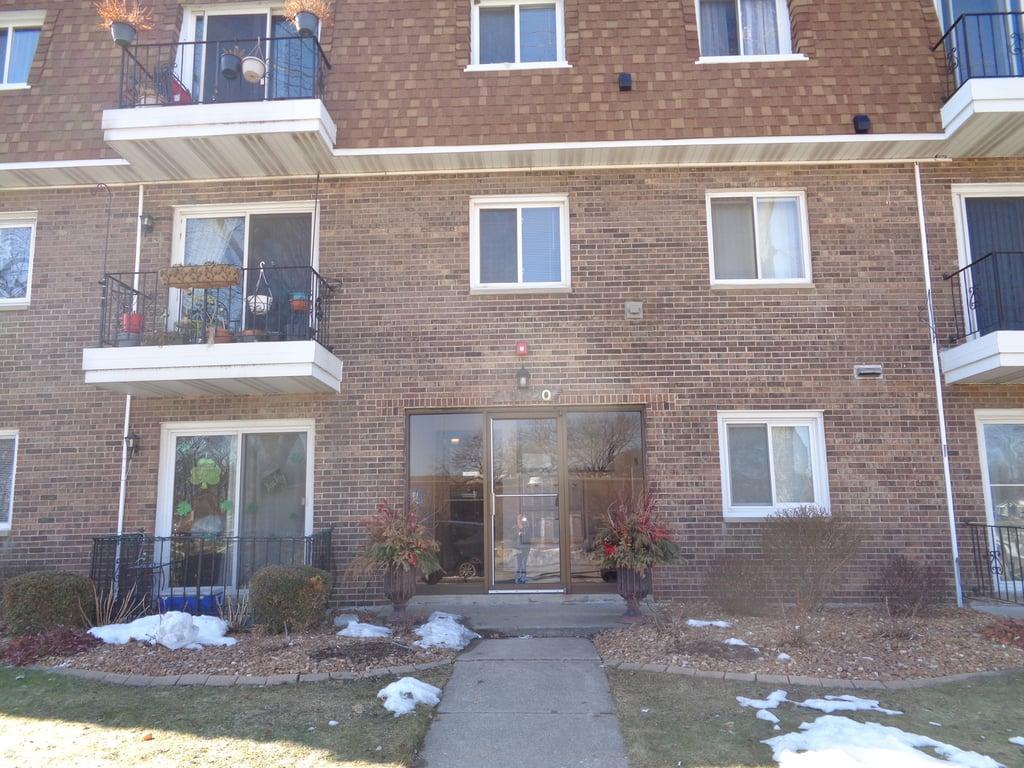 10720 Kilpatrick Avenue -303 Oak Lawn, IL 60453