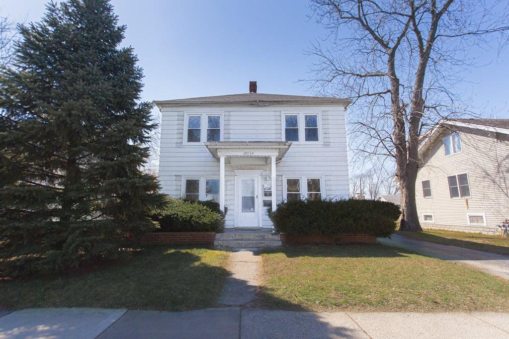 18324 Burnham Avenue -1 Lansing, IL 60438