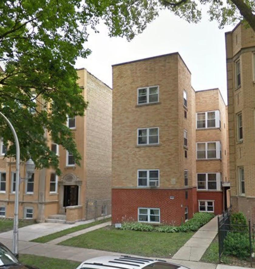 6535 N MOZART Street -2R Chicago, IL 60645