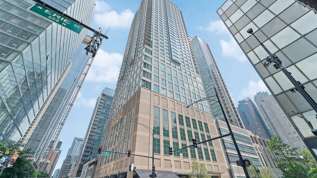 river north apartment for sale