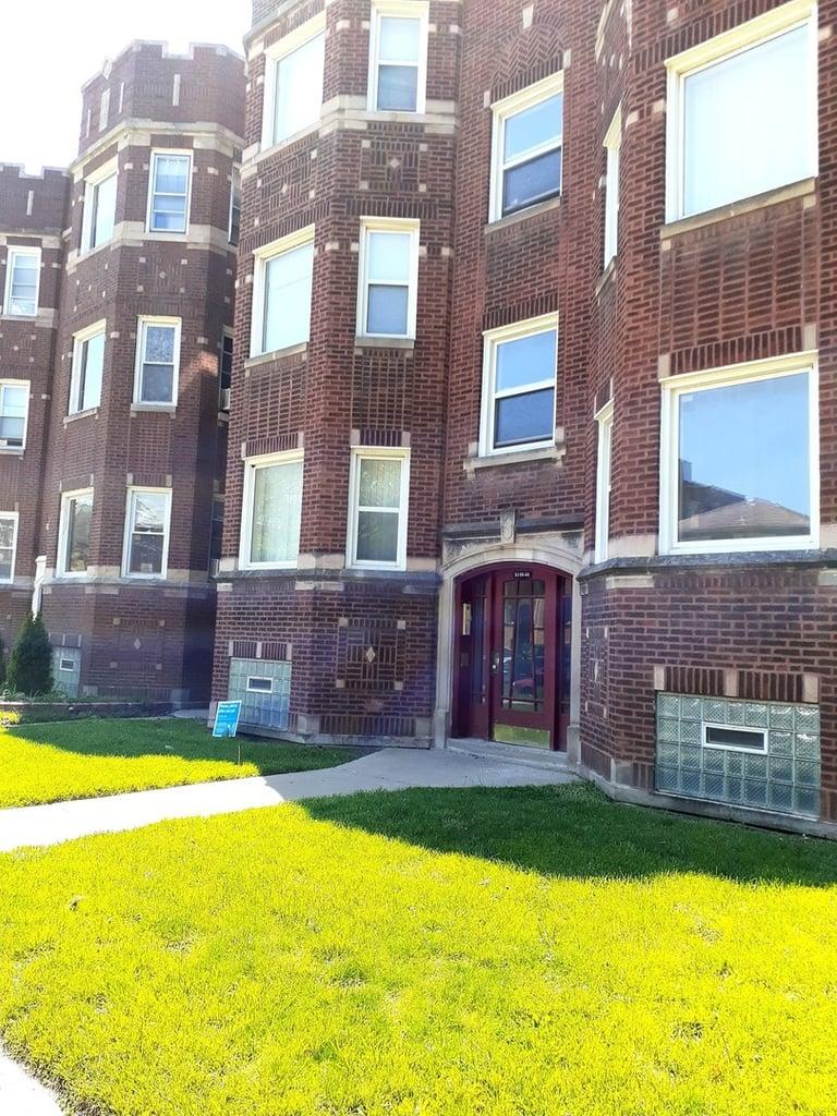 8144 S Vernon Avenue -2S Chicago, IL 60619