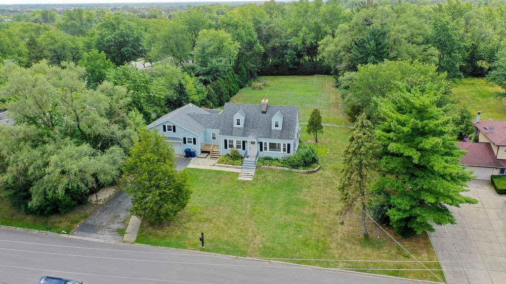 8209 W 89th Street Hickory Hills, IL 60457