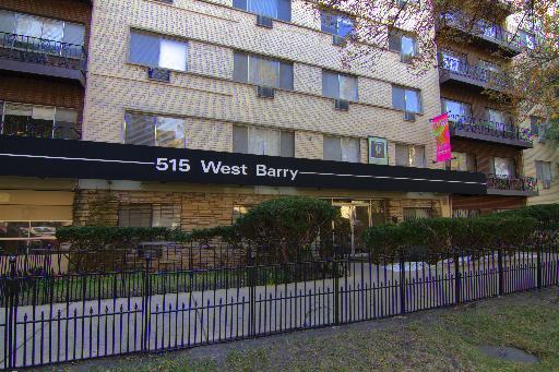 515 W Barry Avenue -554 Chicago, IL 60657