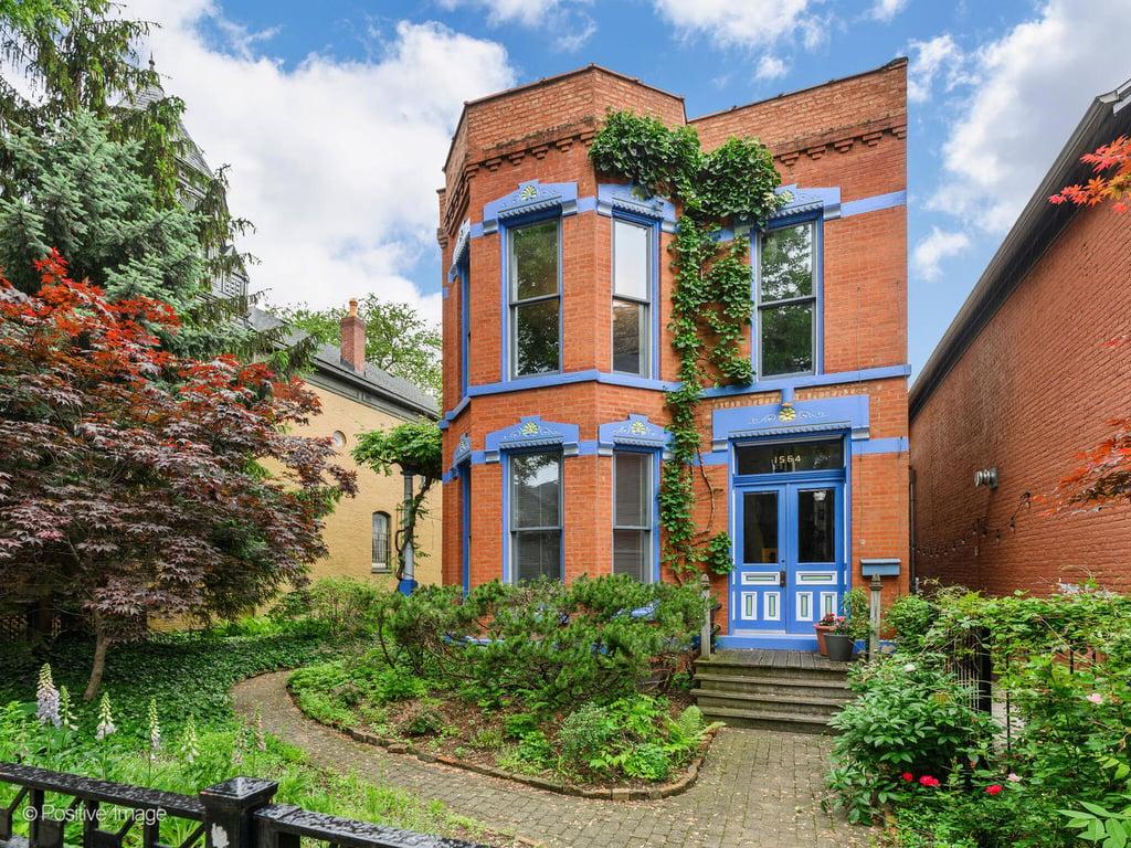 1564 N Hoyne Avenue Chicago, IL 60622