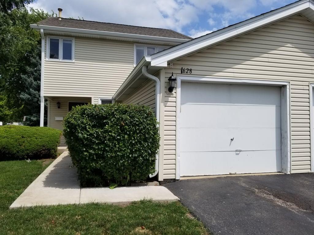 1628 Prestwick Drive Naperville, IL 60563
