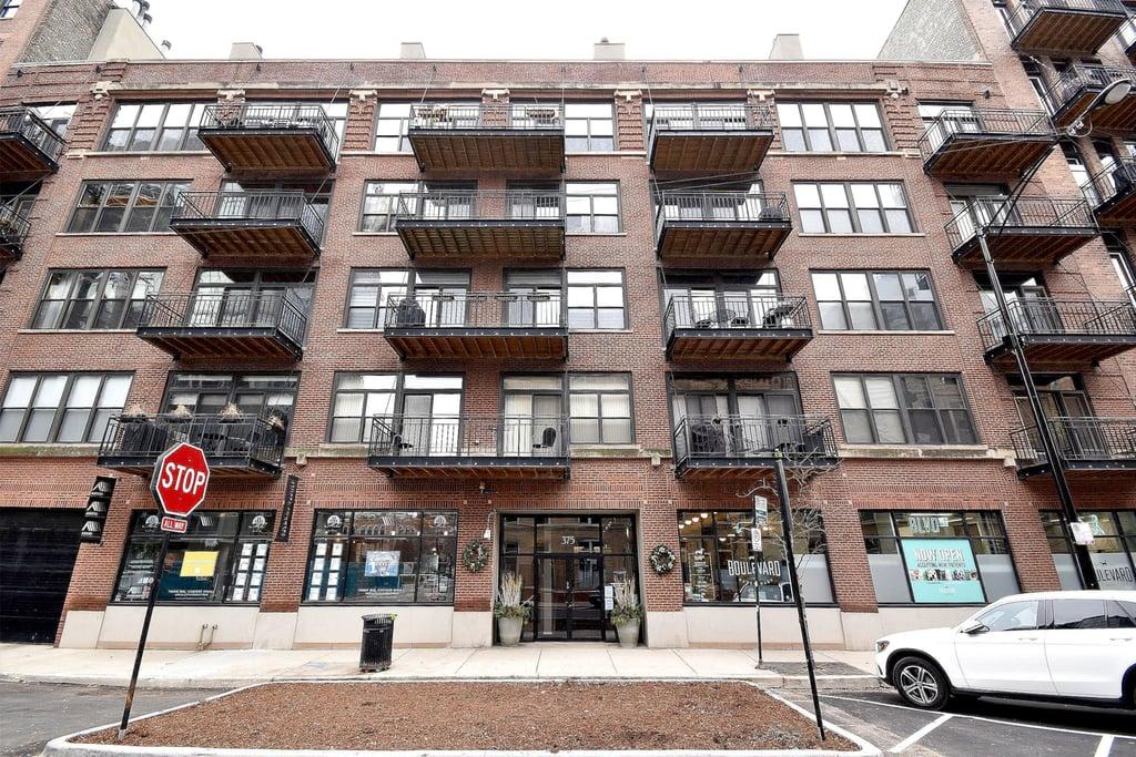 375 W Erie Street -218 Chicago, IL 60654