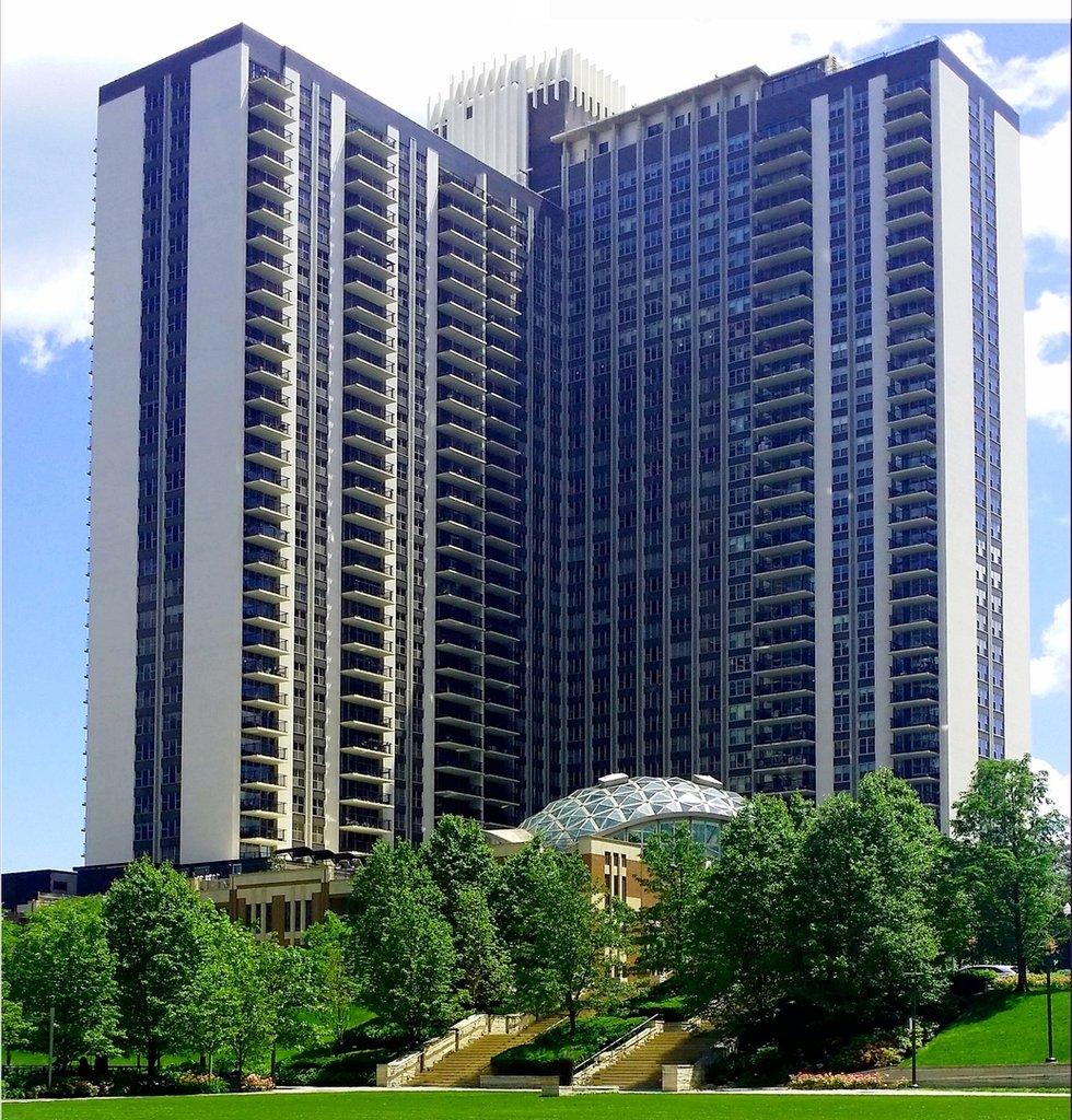 400 E RANDOLPH Street -1522 Chicago, IL 60601