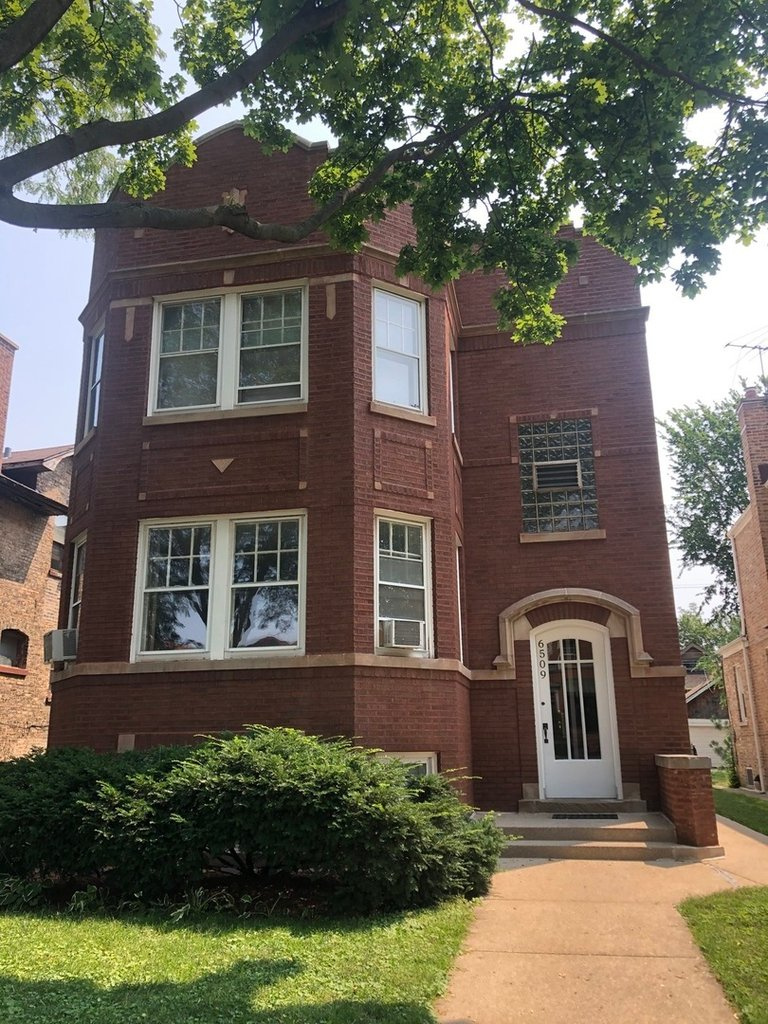 6509 N Maplewood Avenue -G Chicago, IL 60645