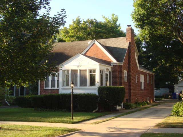 307 HAWTHORNE Boulevard Glen Ellyn, IL 60137