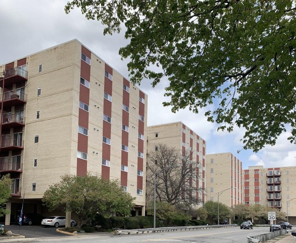 1037 Des Plaines Avenue -507 Forest Park, IL 60130