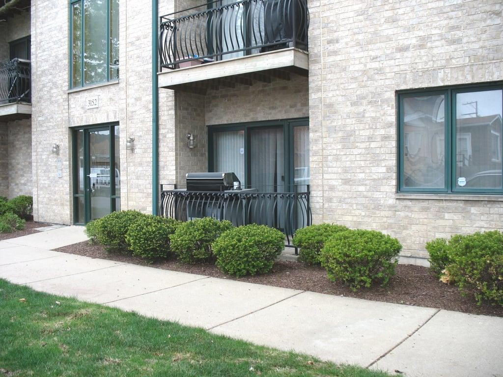 3152 N Oleander Avenue -1B Chicago, IL 60707