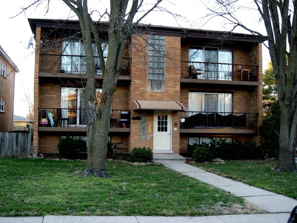 10402 Moody Avenue -0-N Chicago Ridge, IL 60415