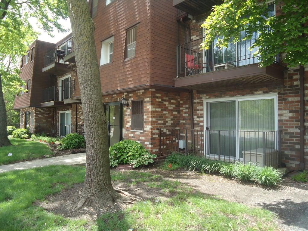 11760 S Ridgeland Avenue -6D Worth, IL 60482