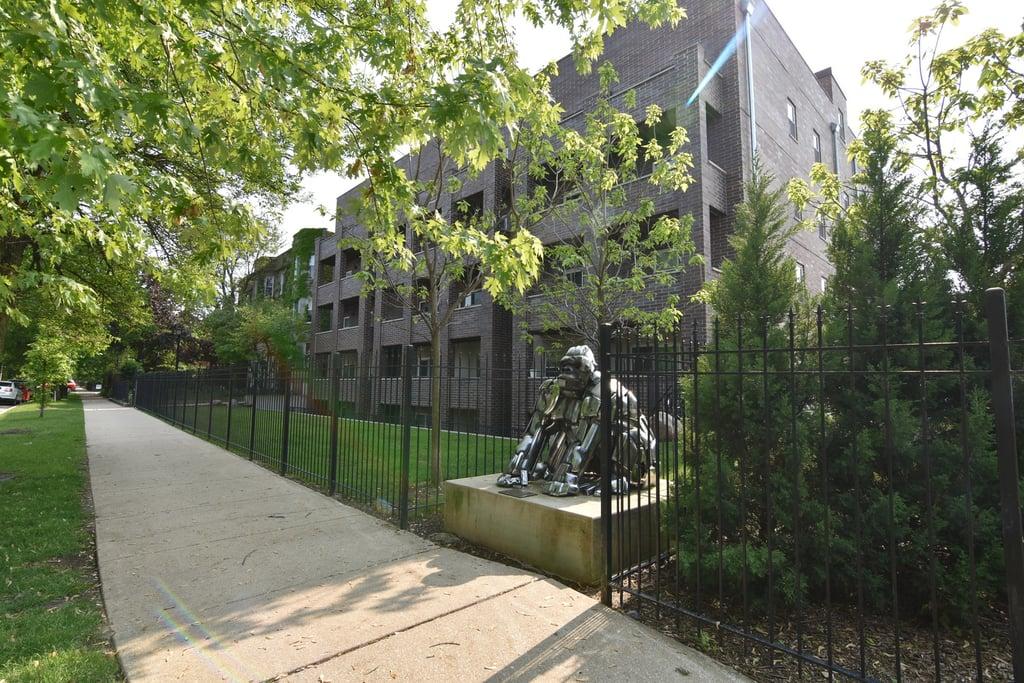 4520 N BEACON Street -202 Chicago, IL 60640