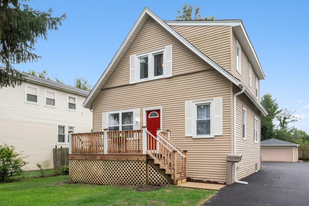 331 W School Street Villa Park, IL 60181