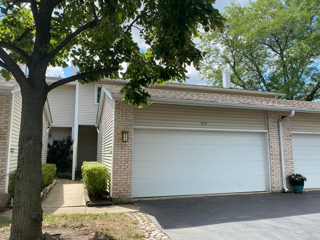 717 PINTAIL Court -717 Deerfield, IL 60015