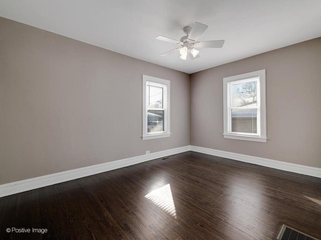 102 East Avenue,La Grange,IL-20228-15