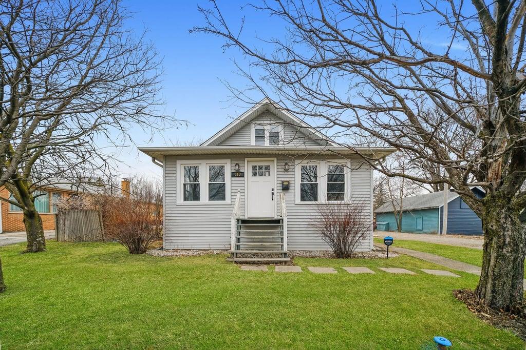 313 W North Avenue Elmhurst, IL 60126