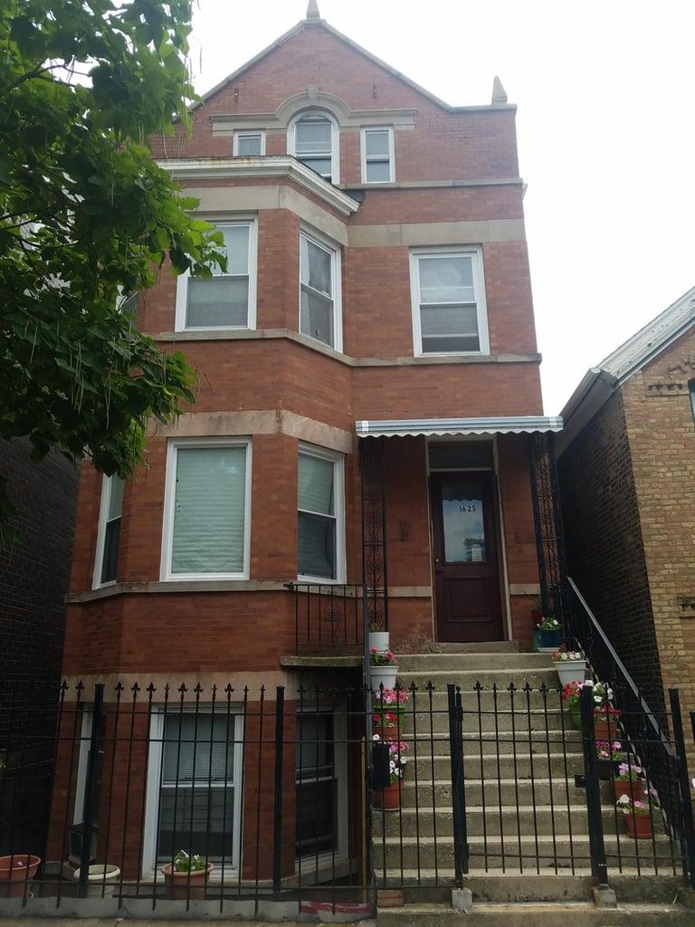 1625 W BEACH Avenue -2 Chicago, IL 60622