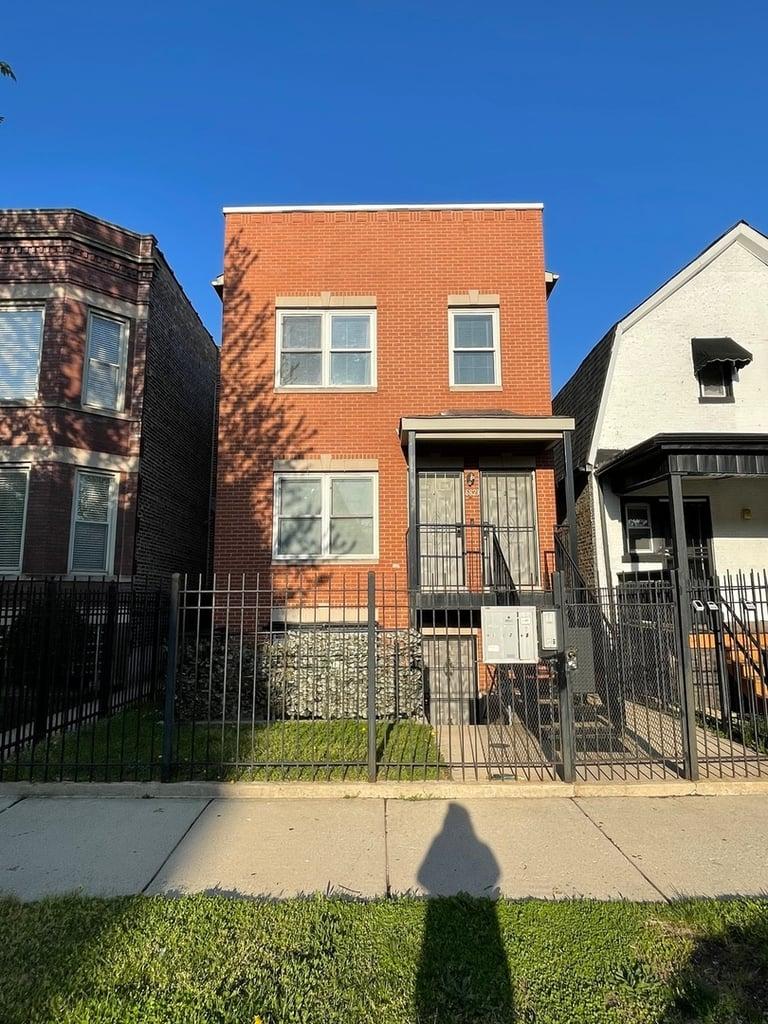 6823 S DORCHESTER Avenue -3 Chicago, IL 60637