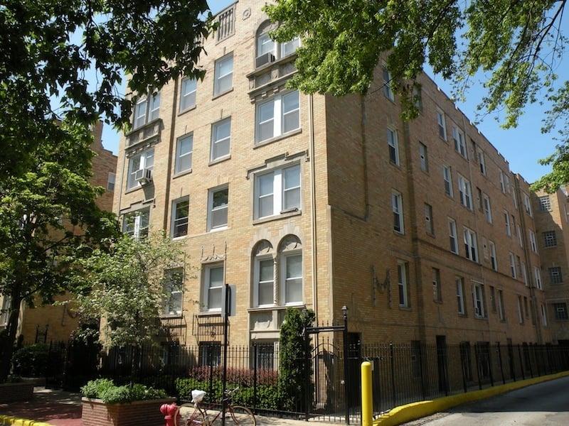 842 W Ainslie Street -1C Chicago, IL 60640