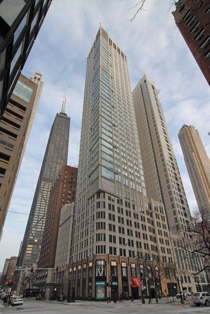 57 E Delaware Place -3203 Chicago, IL 60611