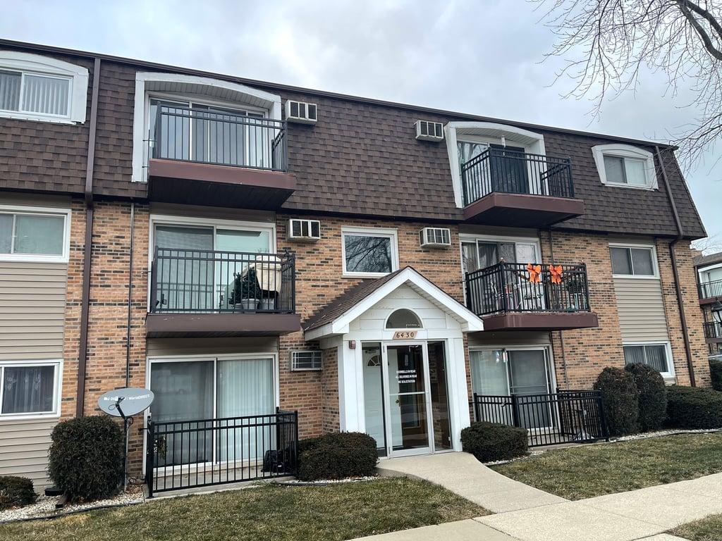 6430 PAMELA Lane -4 Chicago Ridge, IL 60415