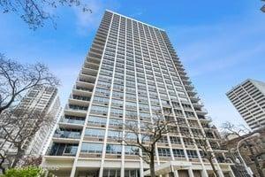 88 W SCHILLER Street -2907 Chicago, IL 60610