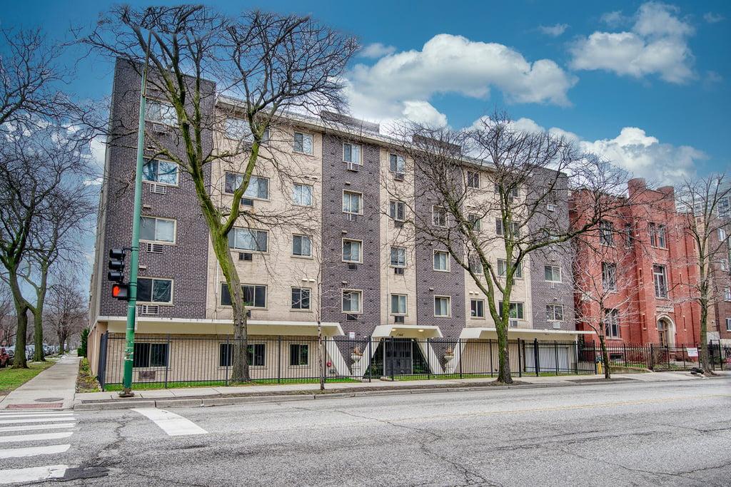 1060 W HOLLYWOOD Avenue -404 Chicago, IL 60660