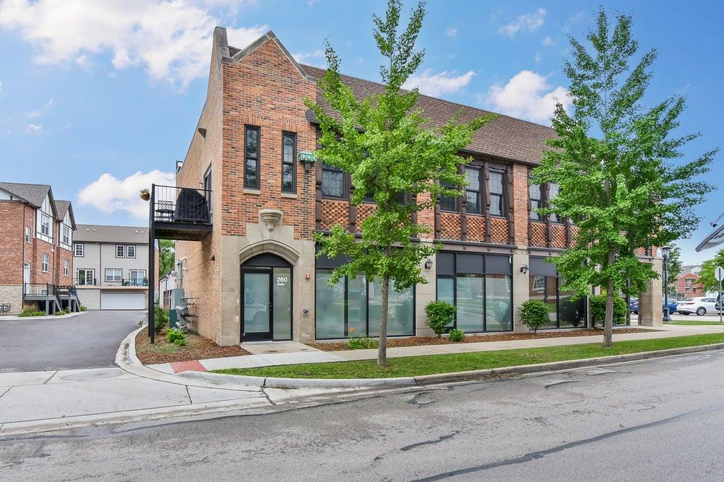 260 E Kenilworth Avenue -2 Villa Park, IL 60181