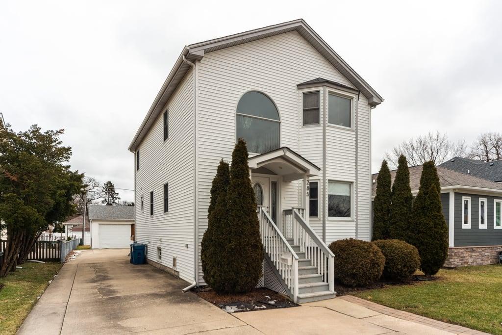 285 N Berteau Avenue -LL Elmhurst, IL 60126