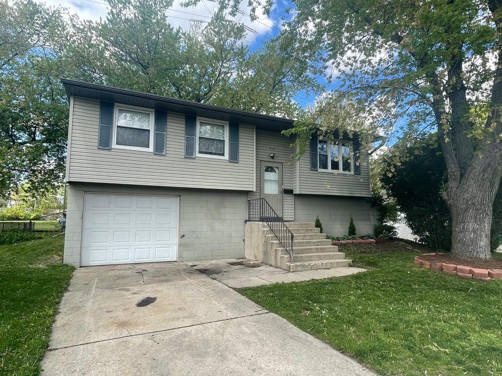 316 Hemlock Avenue Romeoville, IL 60446