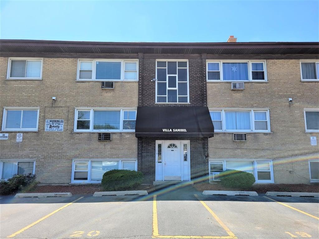 8504 45th Place -1B Lyons, IL 60534