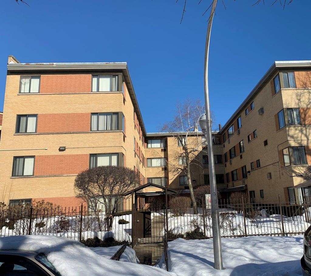 1512 W FARWELL Avenue -GB Chicago, IL 60626