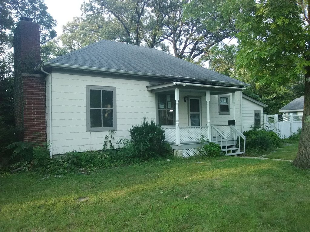 223 W School Street Glenwood, IL 60425