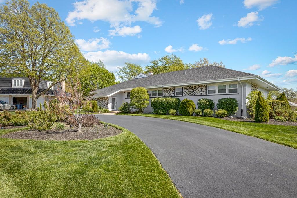 2S635 Avenue Vendome Oak Brook, IL 60523