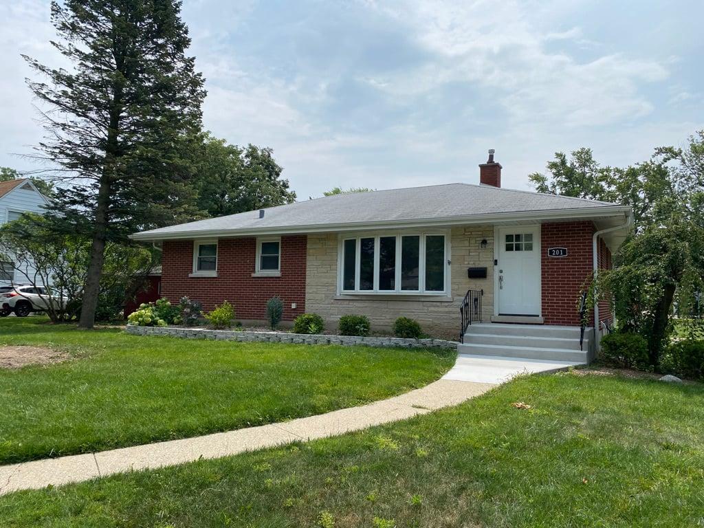201 Pine Street Villa Park, IL 60181