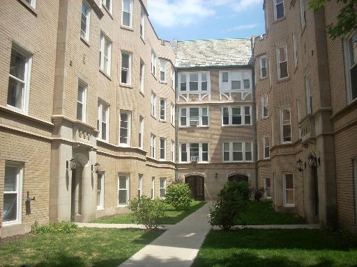 6321 N Artesian Avenue -3E Chicago, IL 60659