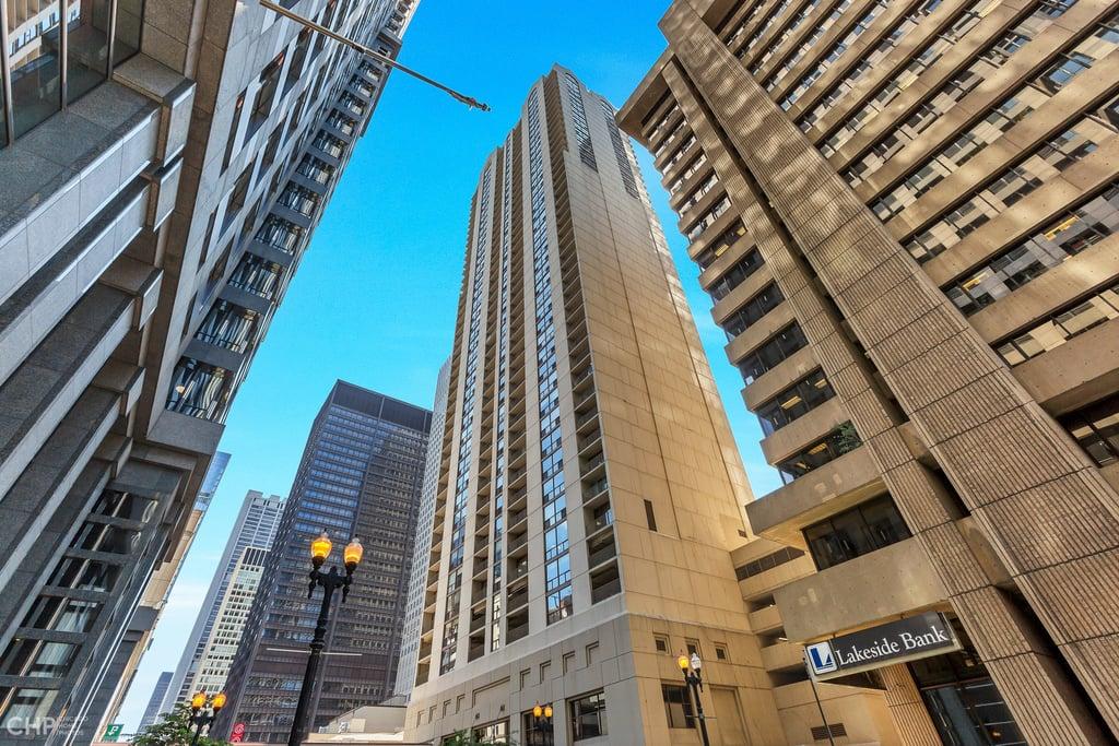 200 N DEARBORN Street -2807 Chicago, IL 60601