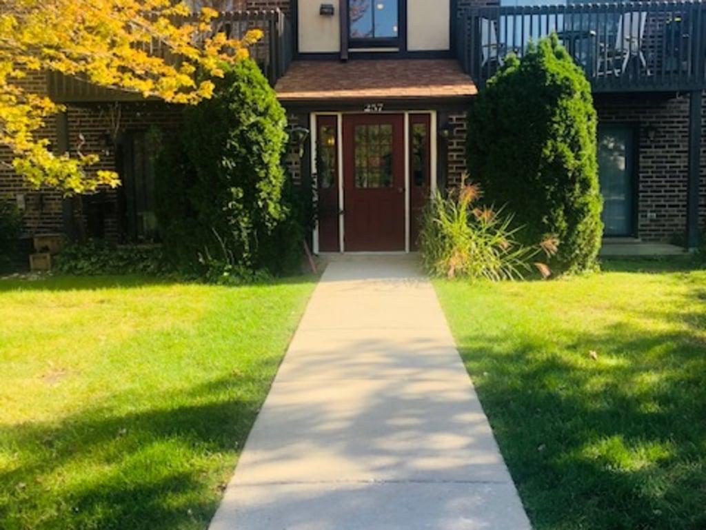 257 Stoneybrook Lane -2G Bloomingdale, IL 60108