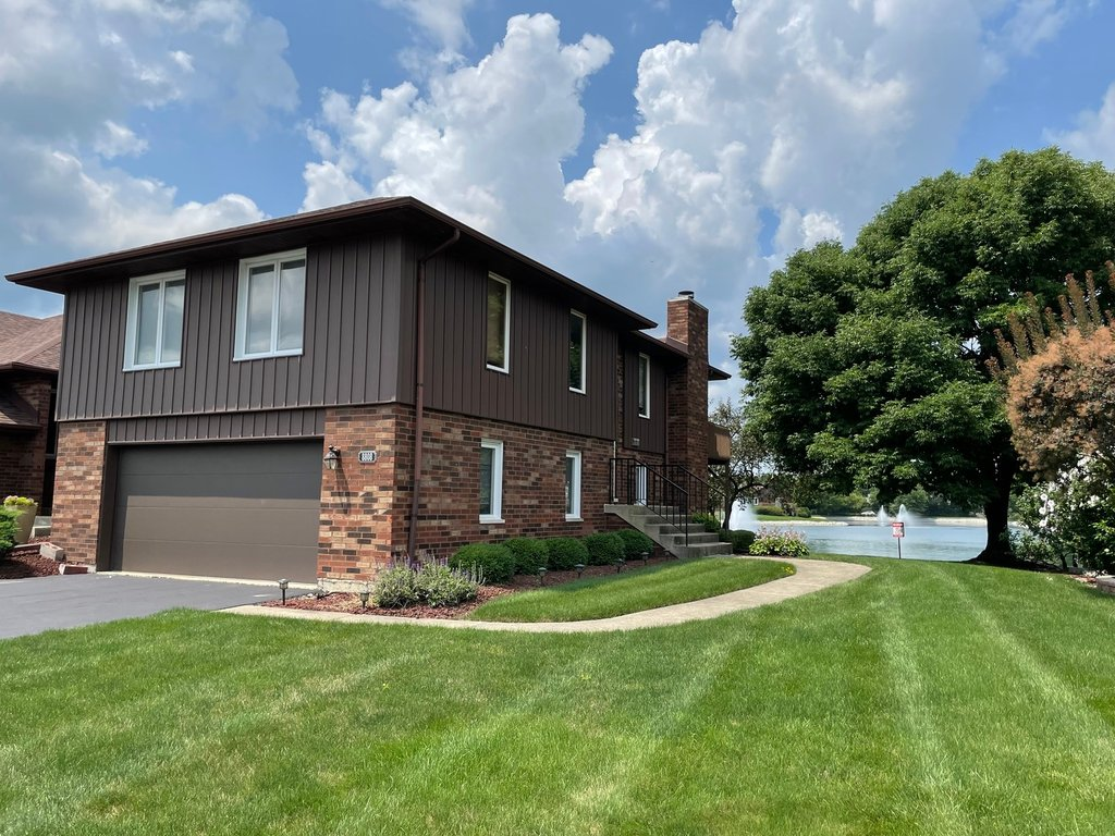 8808 CLEARVIEW Drive -0 Orland Park, IL 60462
